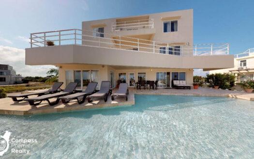 Private Luxury Home 20