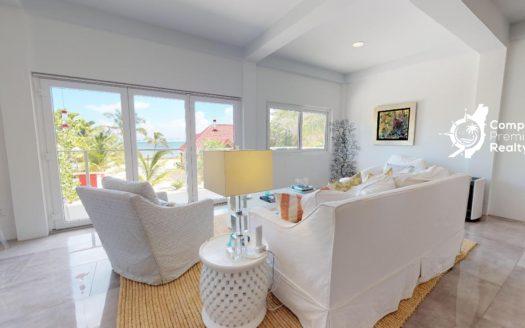 Luxury Beachfront Home With Pool